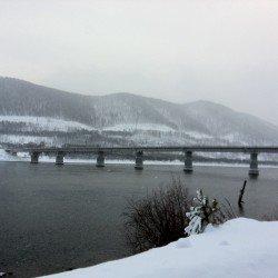 Мост через Енисей: вид с левого берега